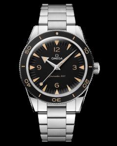 Omega Seamaster 300 Heritage Model 23430412101001 miesten rannekello mustalla kellotaululla ja teräsrannekkeella. Kellon halkaisija on 41mm.